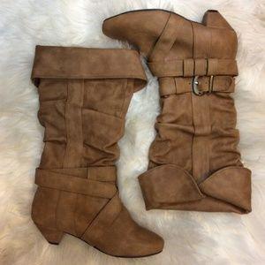 💥BLOWOUT SALE💥 ALDO Mid Casual Boots Size 5